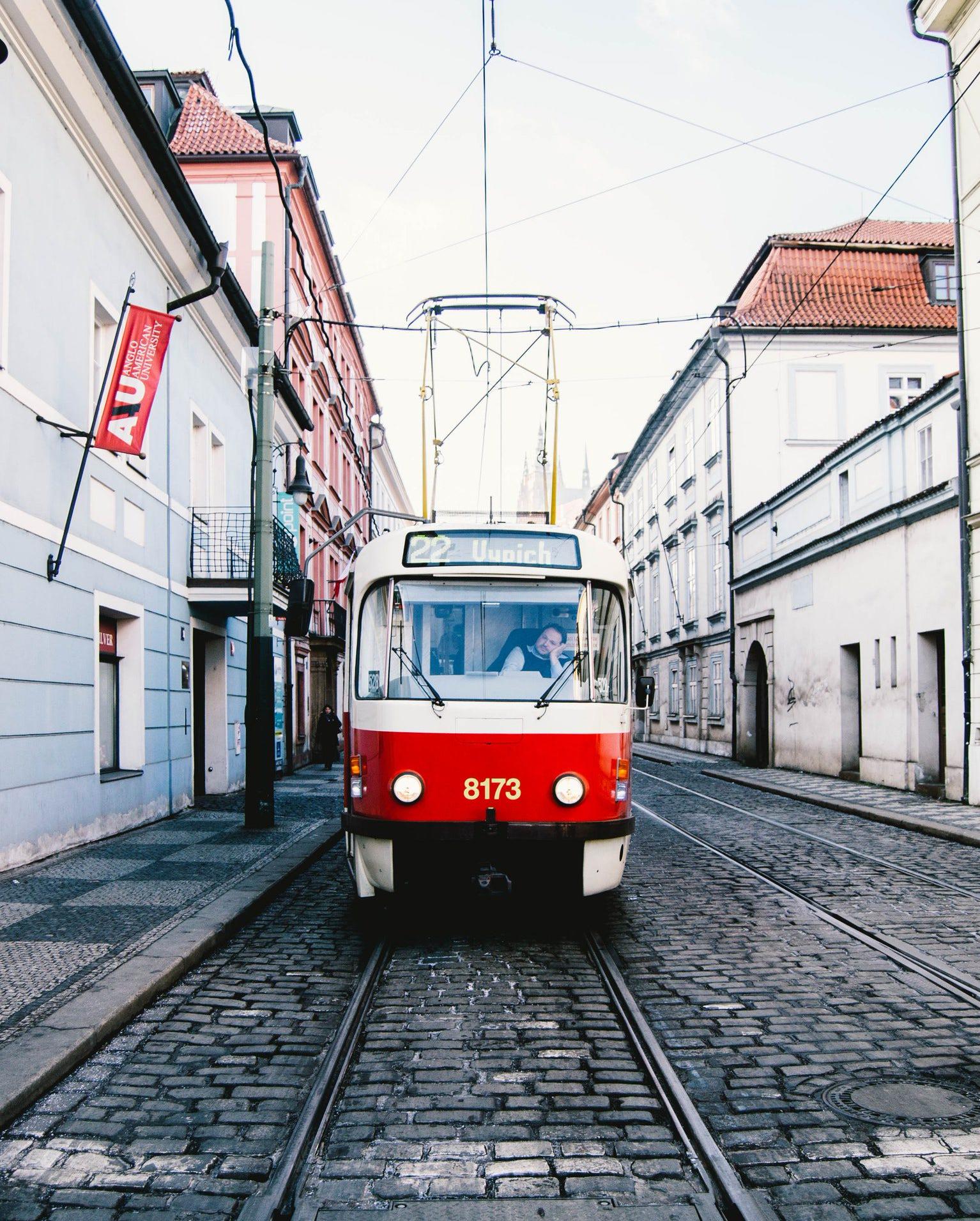 Prague et ses trams typiques